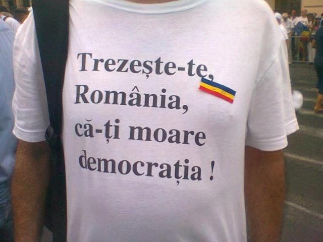 romania-trezeste-te-ca-iti-moare-democratia